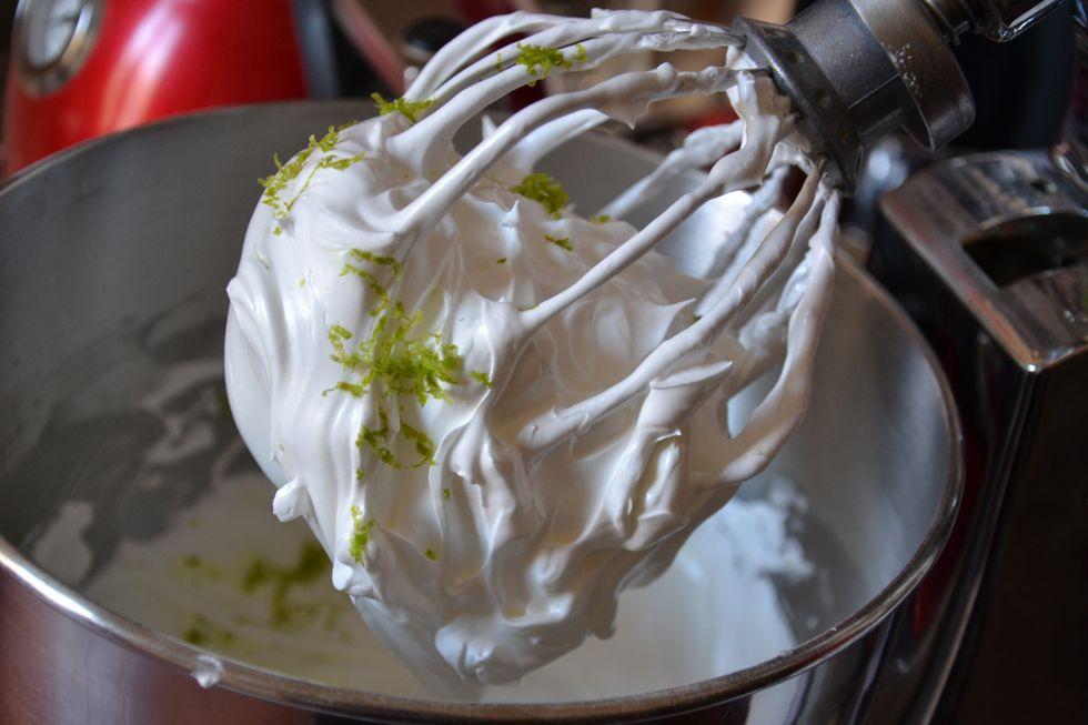 La cuisine des trois s urs pavlova bicolore au carr - Cuisson meringue four chaleur tournante ...